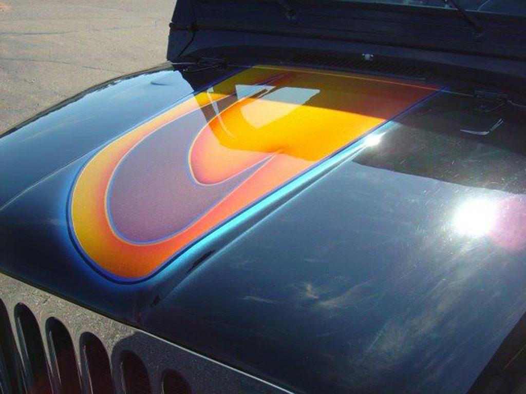 Custom Jeep Design on Hood
